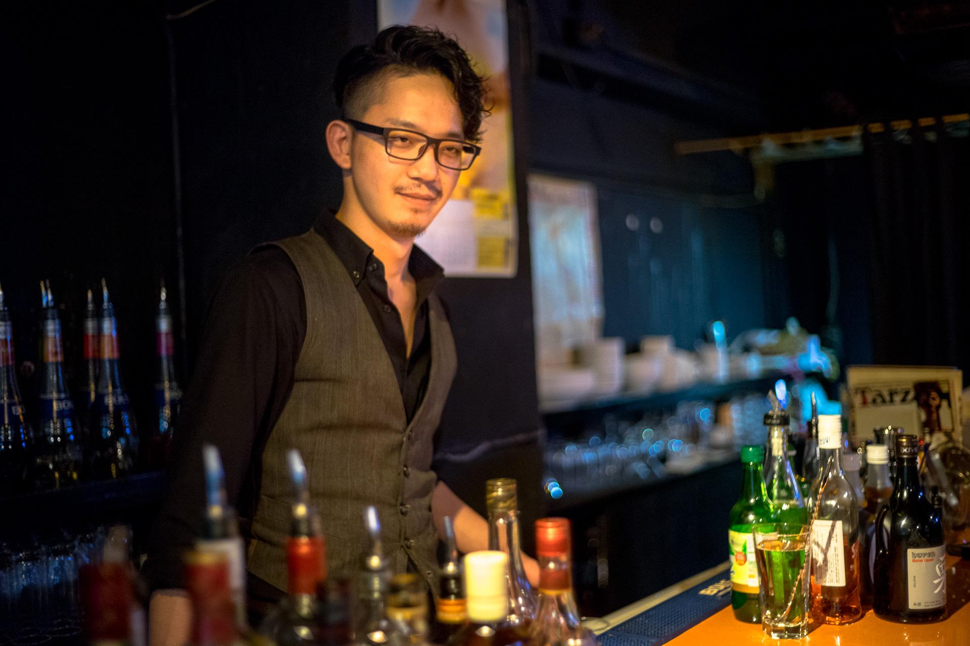 bar moon walk 西早稲田店 小森さん